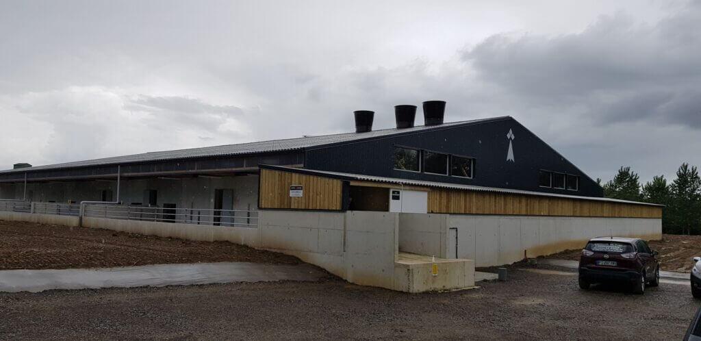 Photo de façade d'un bâtiment
